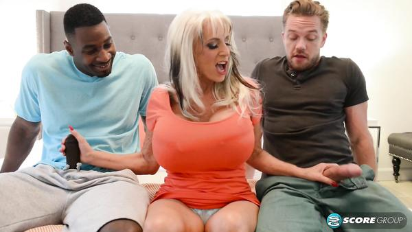 Large Huge Tits Old Lady Sally D`Angelo Attracts 2 Young Men www xnx
