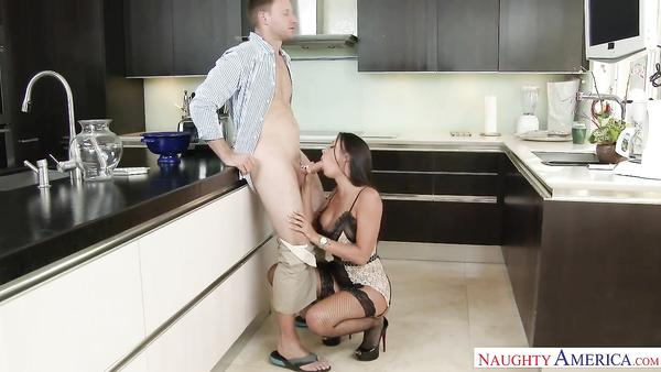 My bro s randy partner Rachel Starr saddles my penis xxn